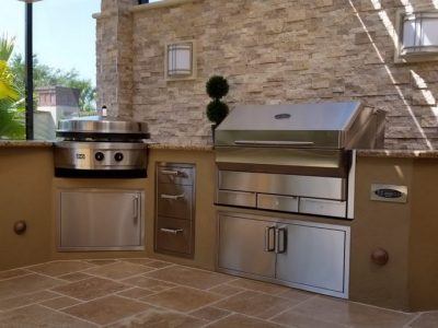 Aluminum-Framed-Dryvit-Memphis-Wood-Pellet-Evo-Outdoor-Kitchen_2000x1000_001.jpg