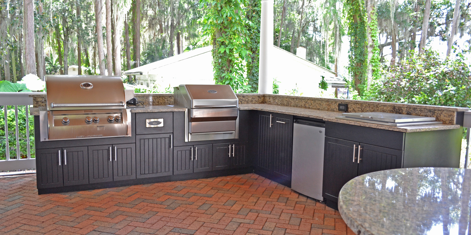 Premium-Polymer-Outdoor-Kitchen-Black_2000x1000_001.jpg