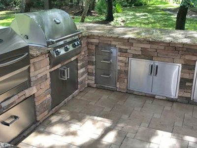 Stacked-Stone-Memphis-Grill-Outdoor-Kitchen_2000x1000_002.jpg